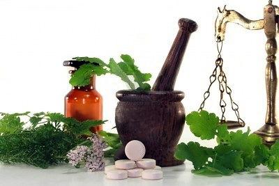 Лечение полипов в кишечнике народными средствами с чагой, чистотелом и другими средствами
