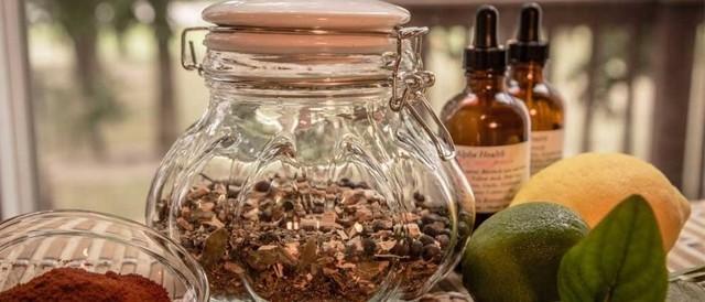 Полипы в матке - симптомы и лечение народными средствами: чистотел, боровая матка и другие средства
